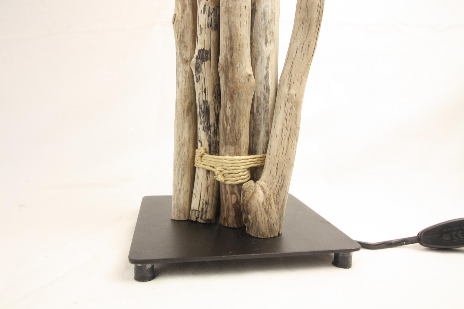 treibholz lampe mit schirm tischlampe unikat. Black Bedroom Furniture Sets. Home Design Ideas